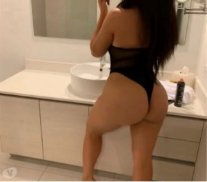 Charlyze latino escorts in Peacehaven